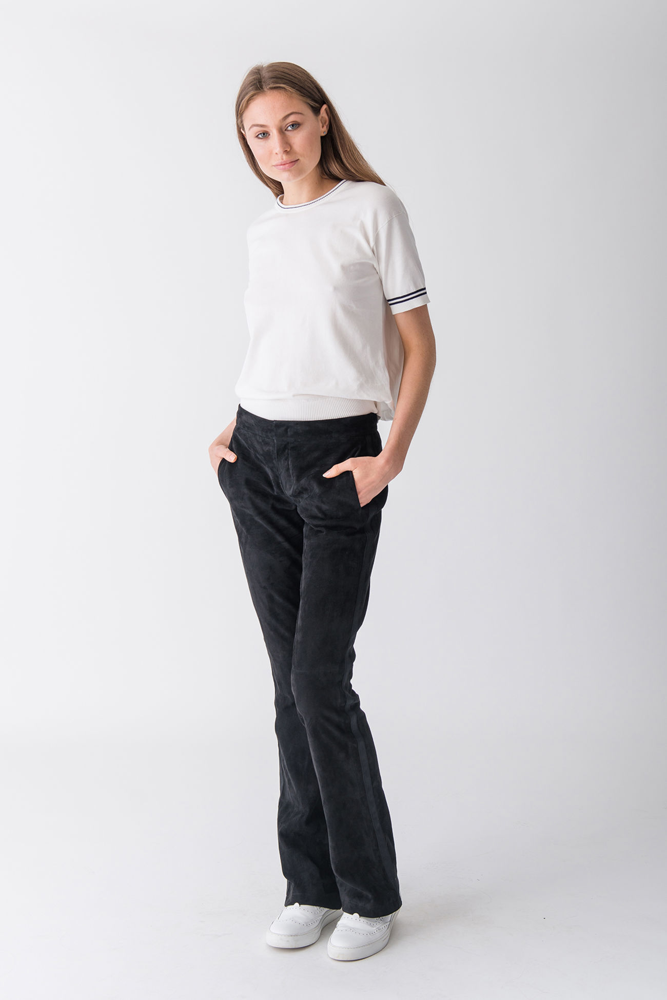 Highly elegant stretch suede trousers with a straight cut