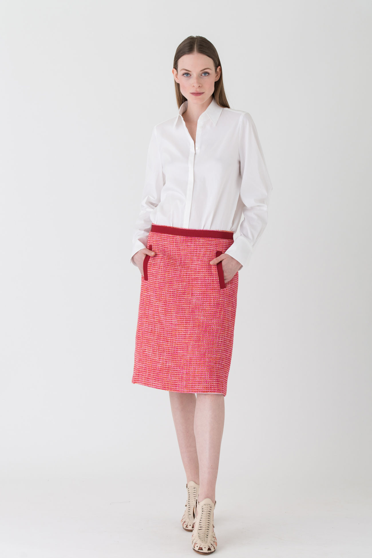 Tasteful tweed skirt with a comfortable A-line
