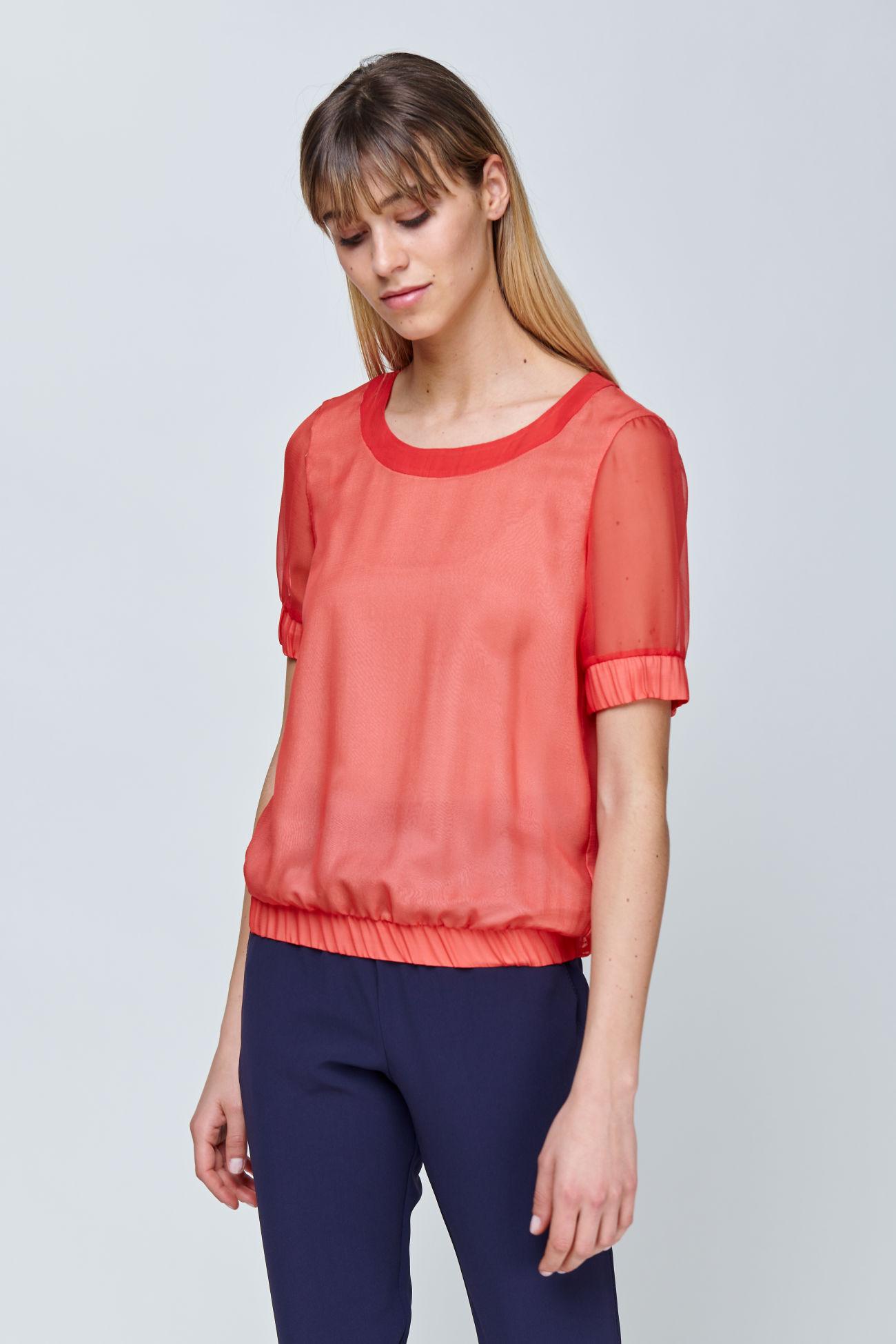 Short sleeve blouse made of silk chiffon
