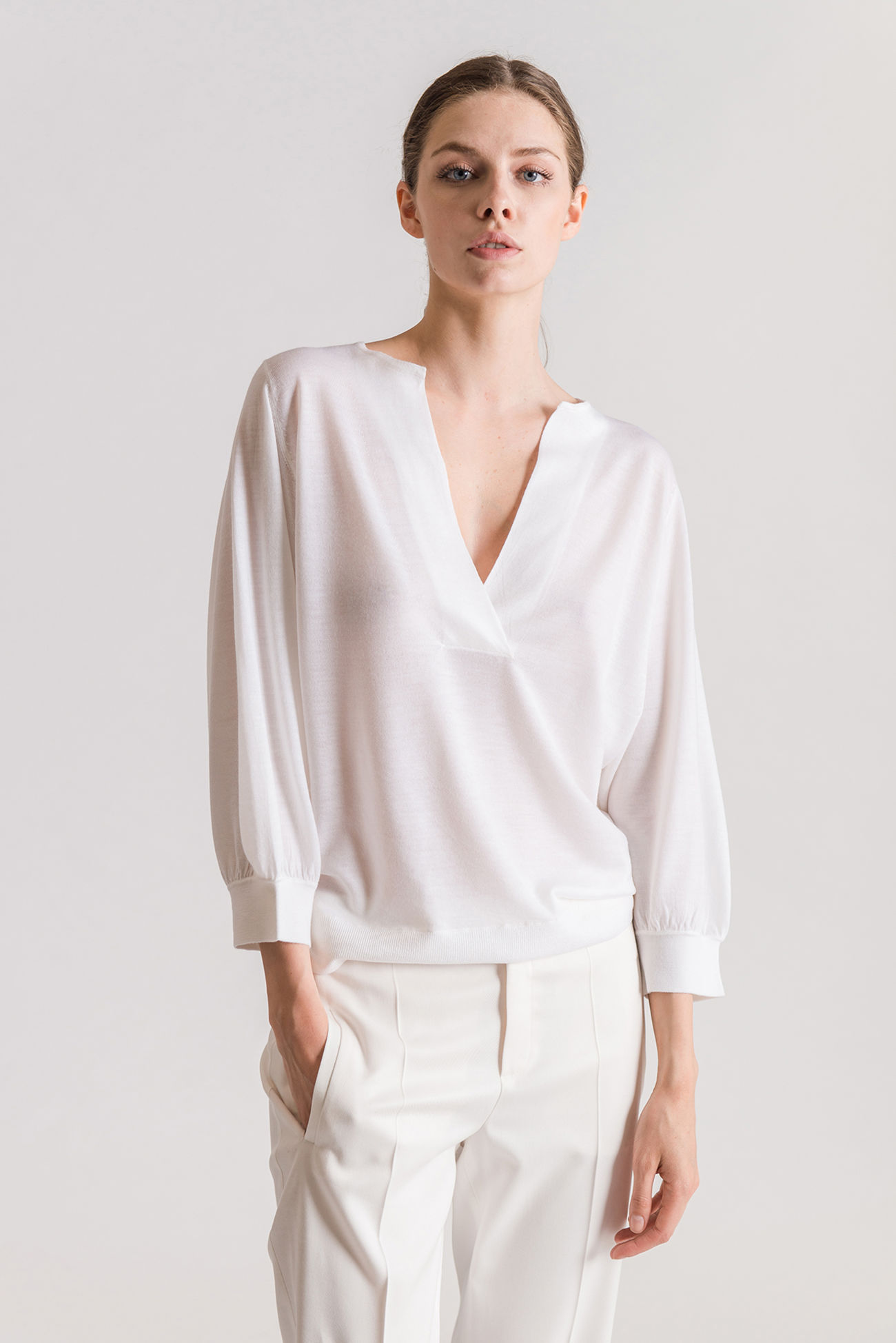 Refined, casual, ribbed jumper made of a blend of virgin wool and cashmere