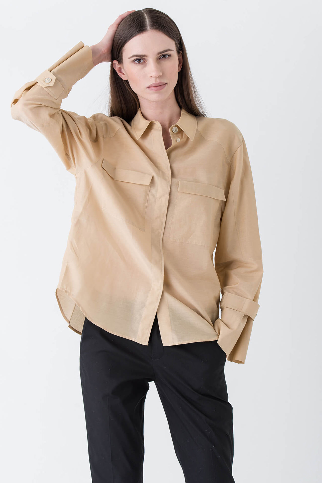 Cool, oversized blouse with exciting details