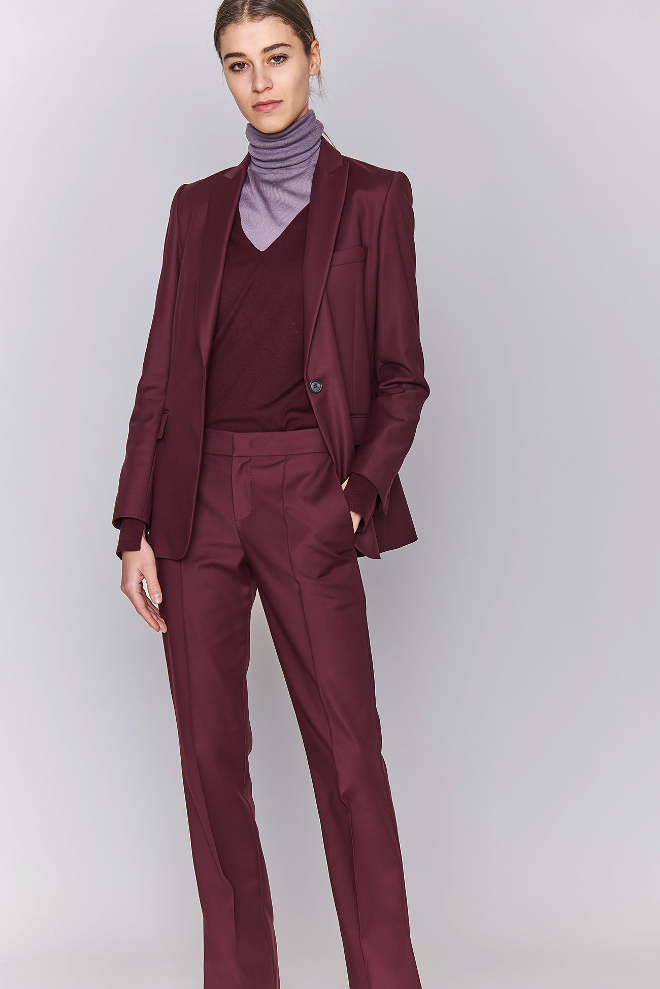 Longer one-button blazer in double poplin stretch