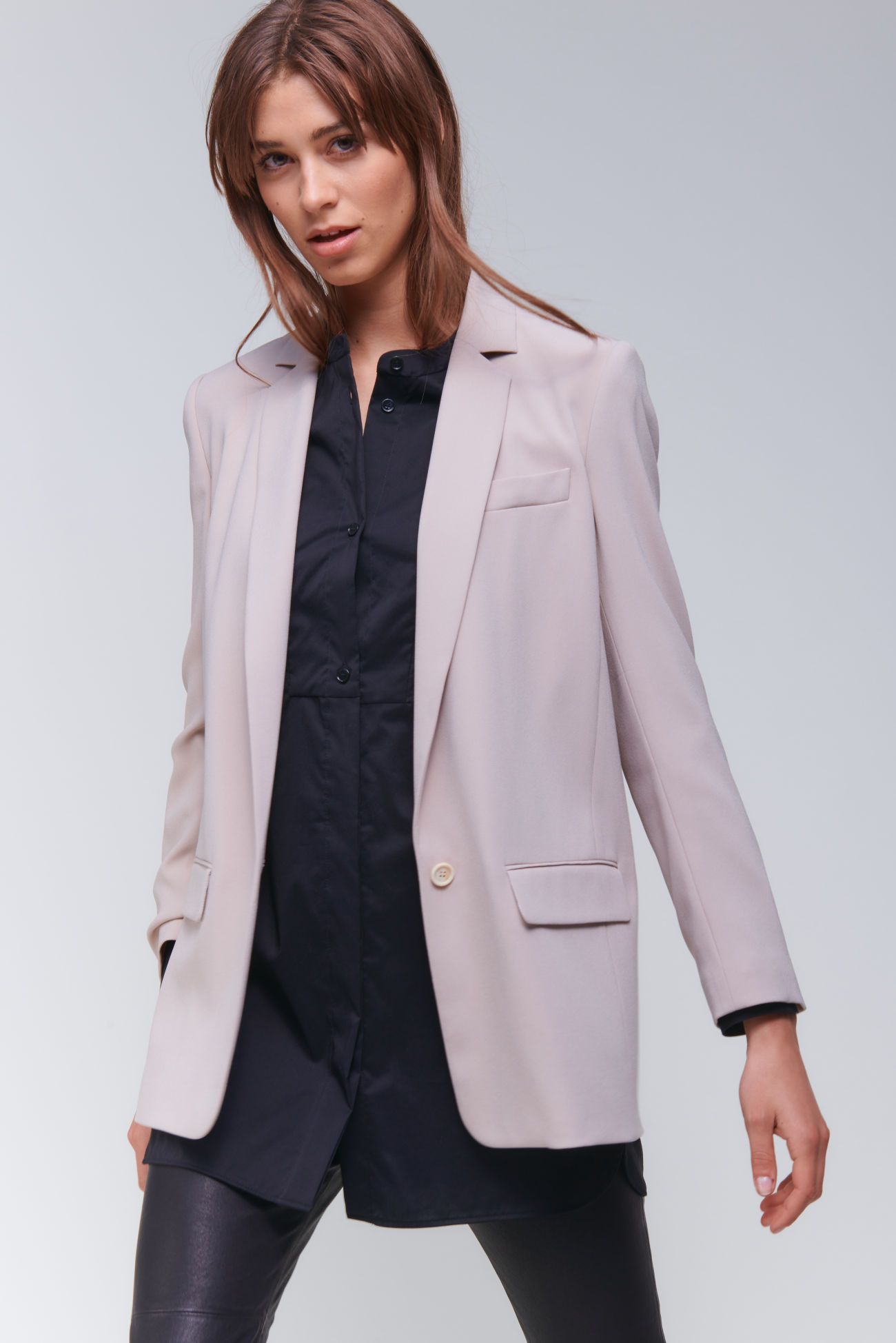 Relaxed boyfriend blazer in crêpe