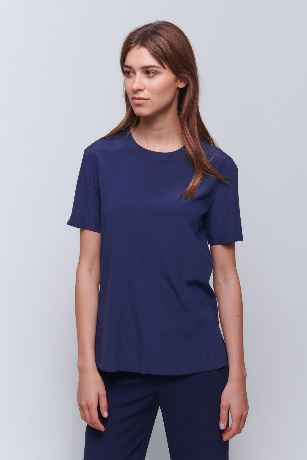 Modernes T-Shirt aus gewaschener Seide