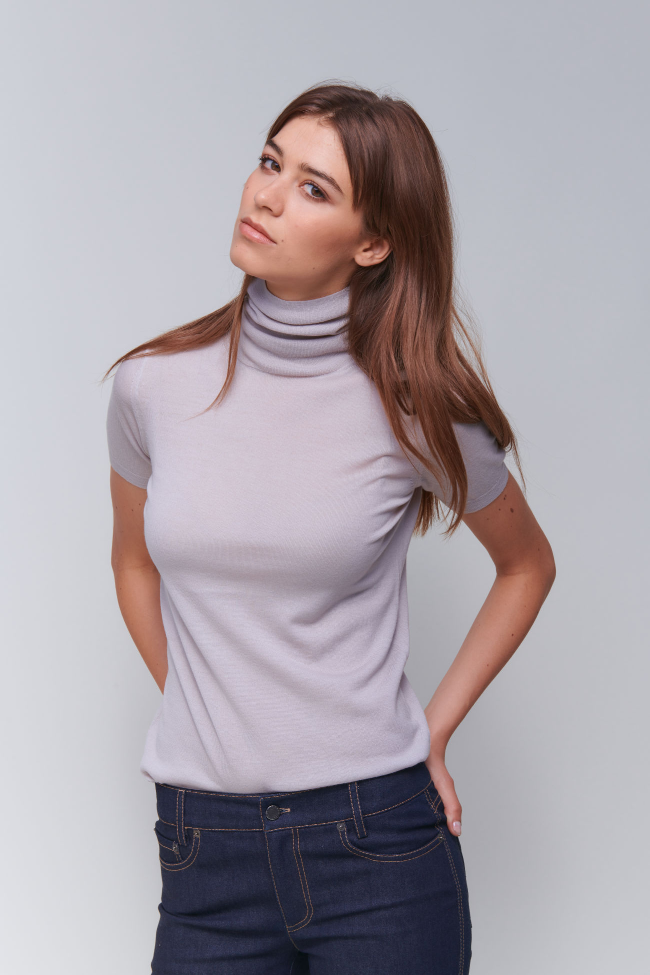 Feminine half-sleeve turtleneck in wool cashmere blend