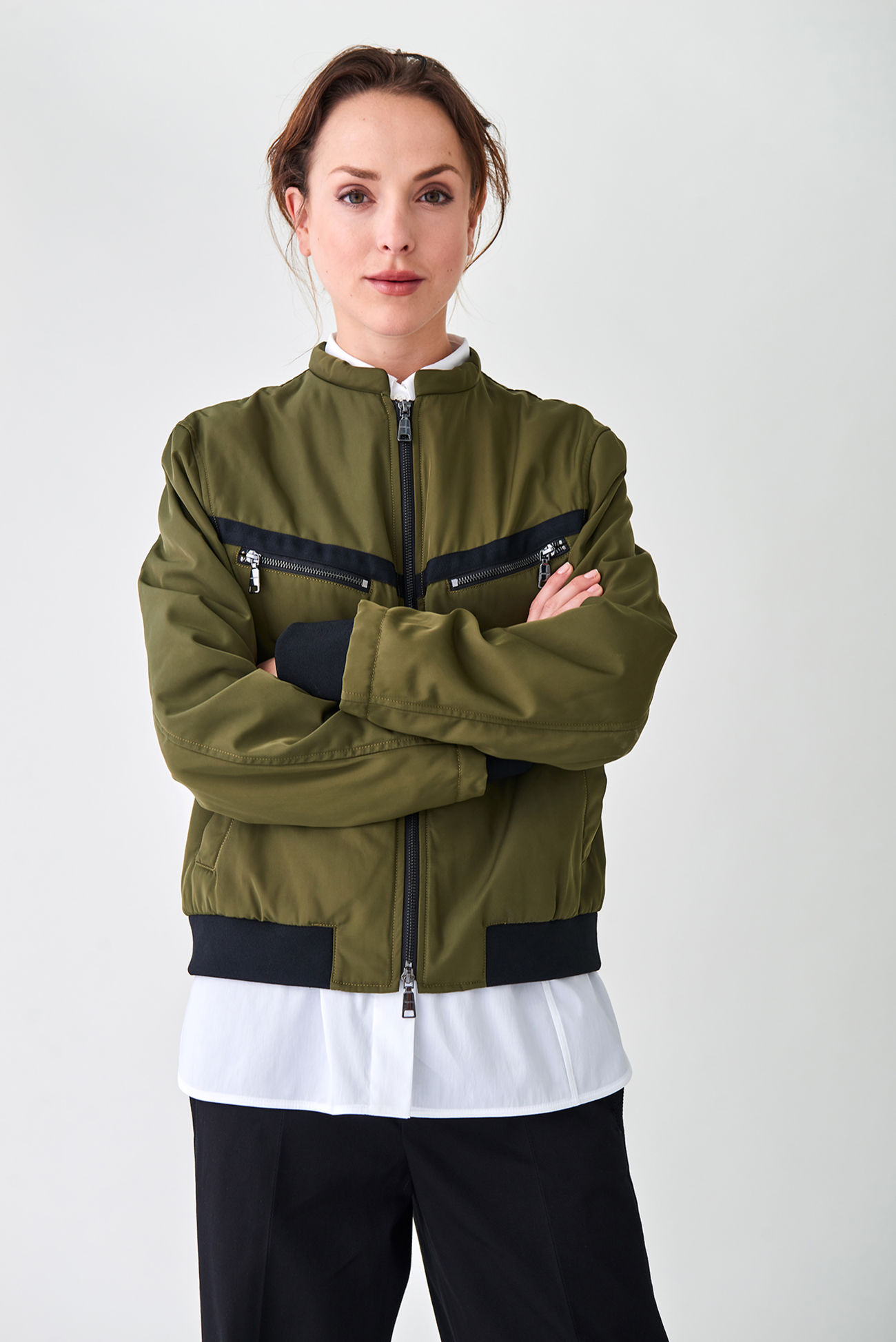 Wadded bomber jacket made of water-repellent material