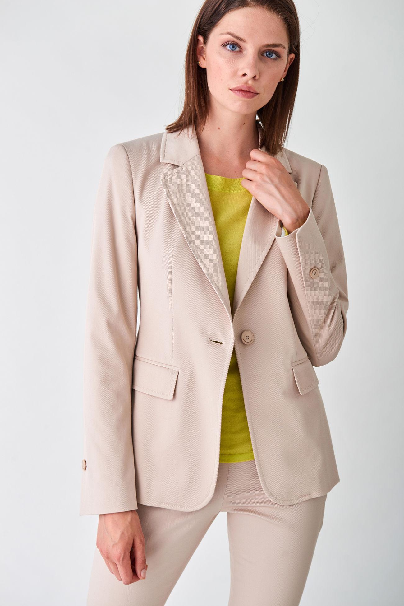 Sportive tailored blazer made of stretch garbadine