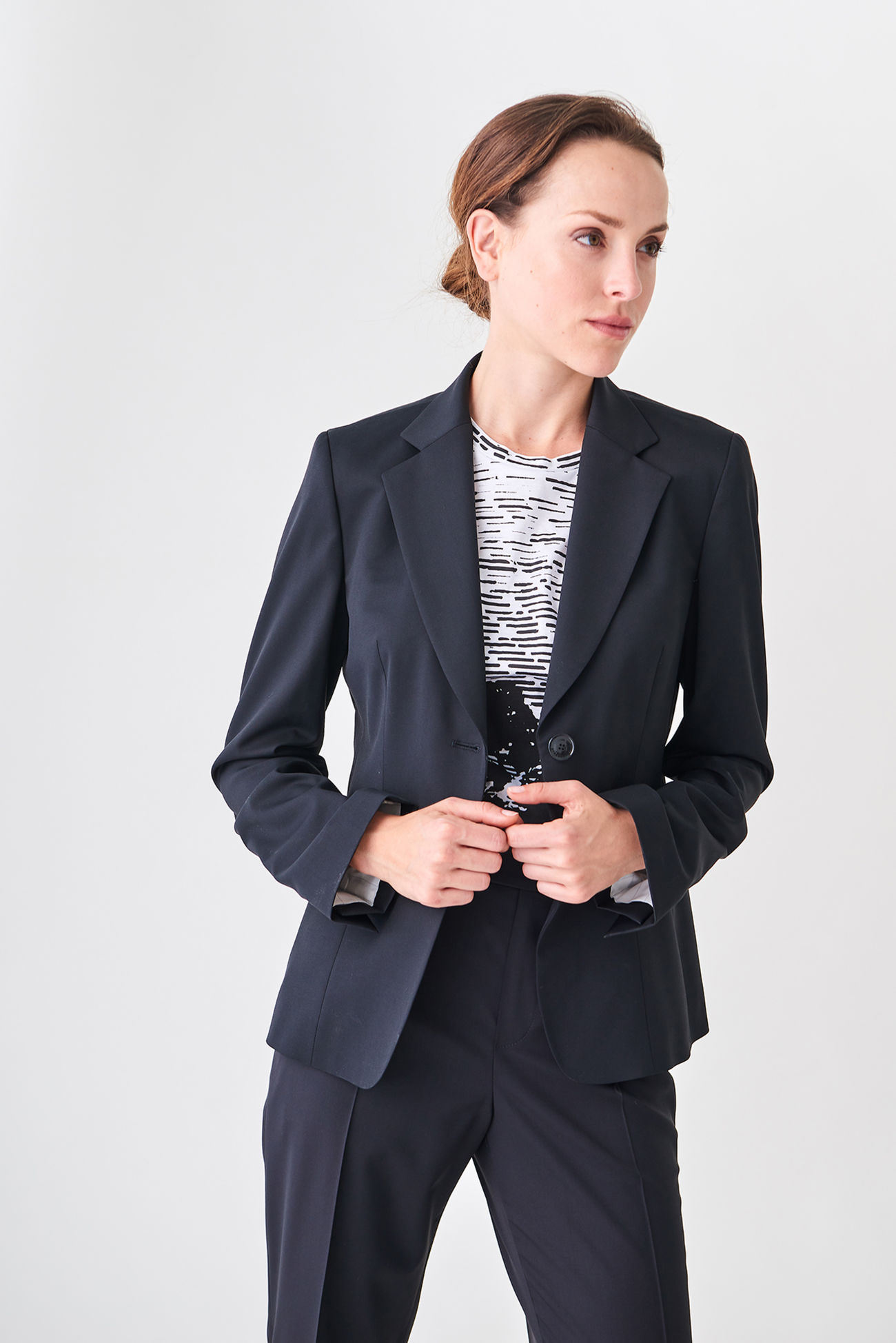 Tapered blazer made of super 130's garbadine