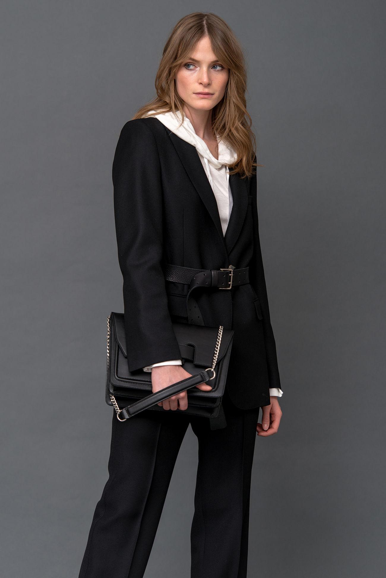 Classic one-button blazer in twill look