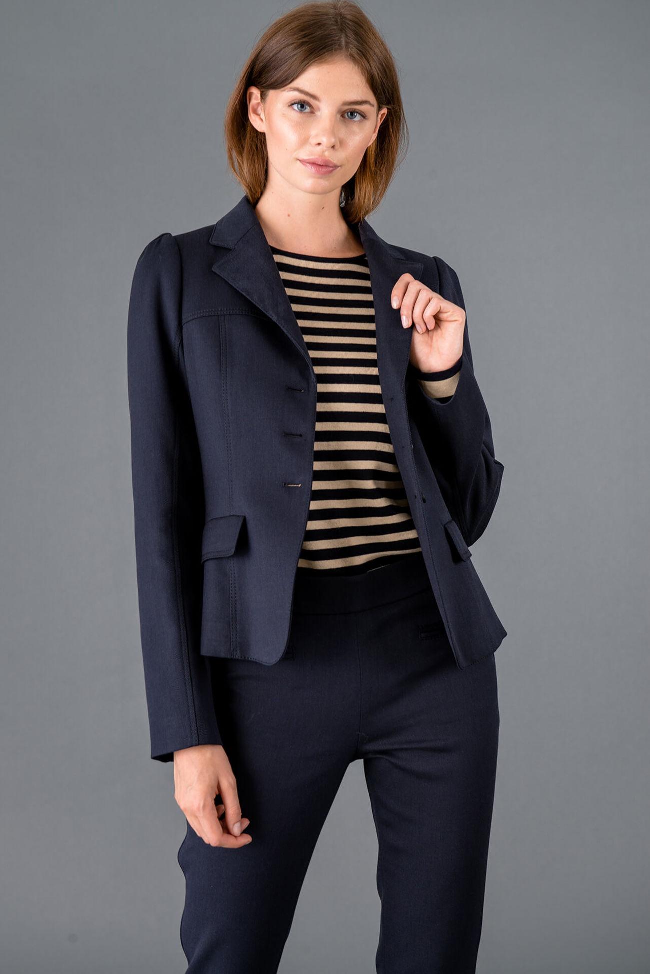 Sporty three-button blazer made of soft cotton twill