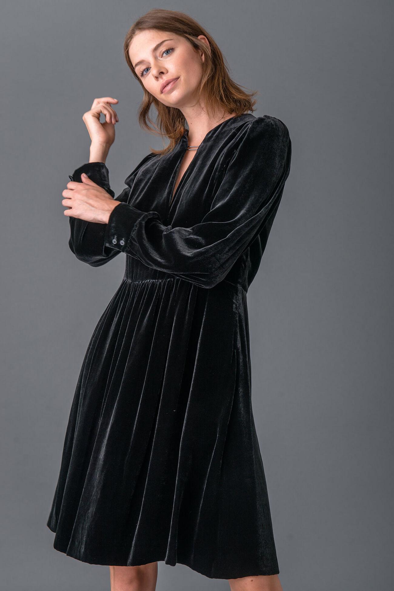 Stilvolles Samtkleid aus Viskose-Seiden-Mix