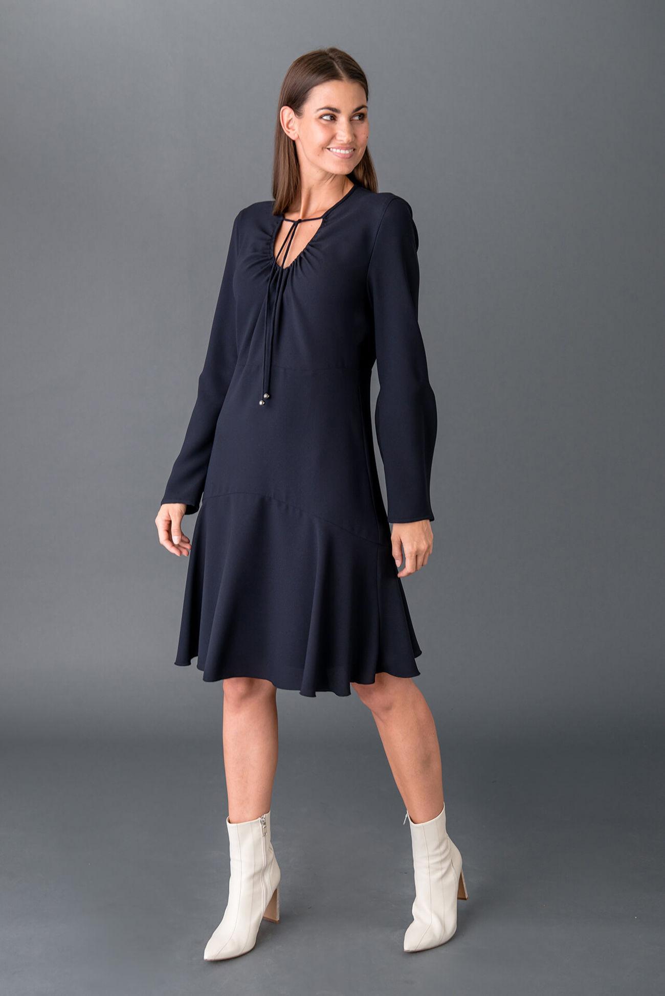 Feminines Kleid aus Travel Sablé