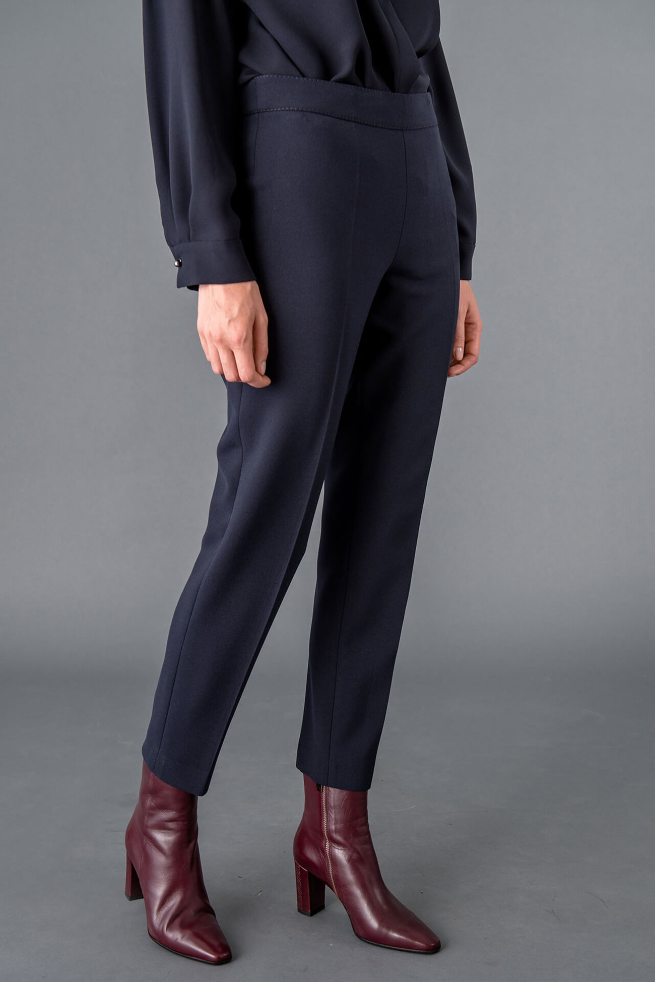 Knöchellange Hose aus elastischem Light Stretch Double