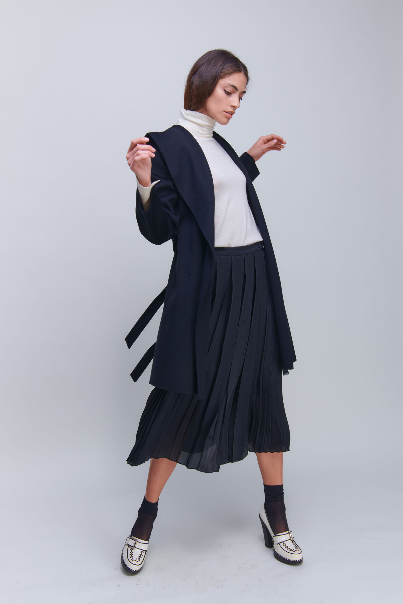 Wrapped pleated skirt in midi length
