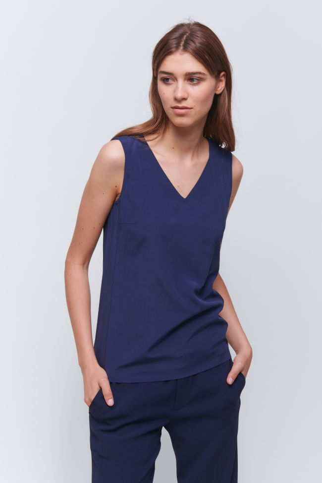 V-Neck Top in eleganter Seide