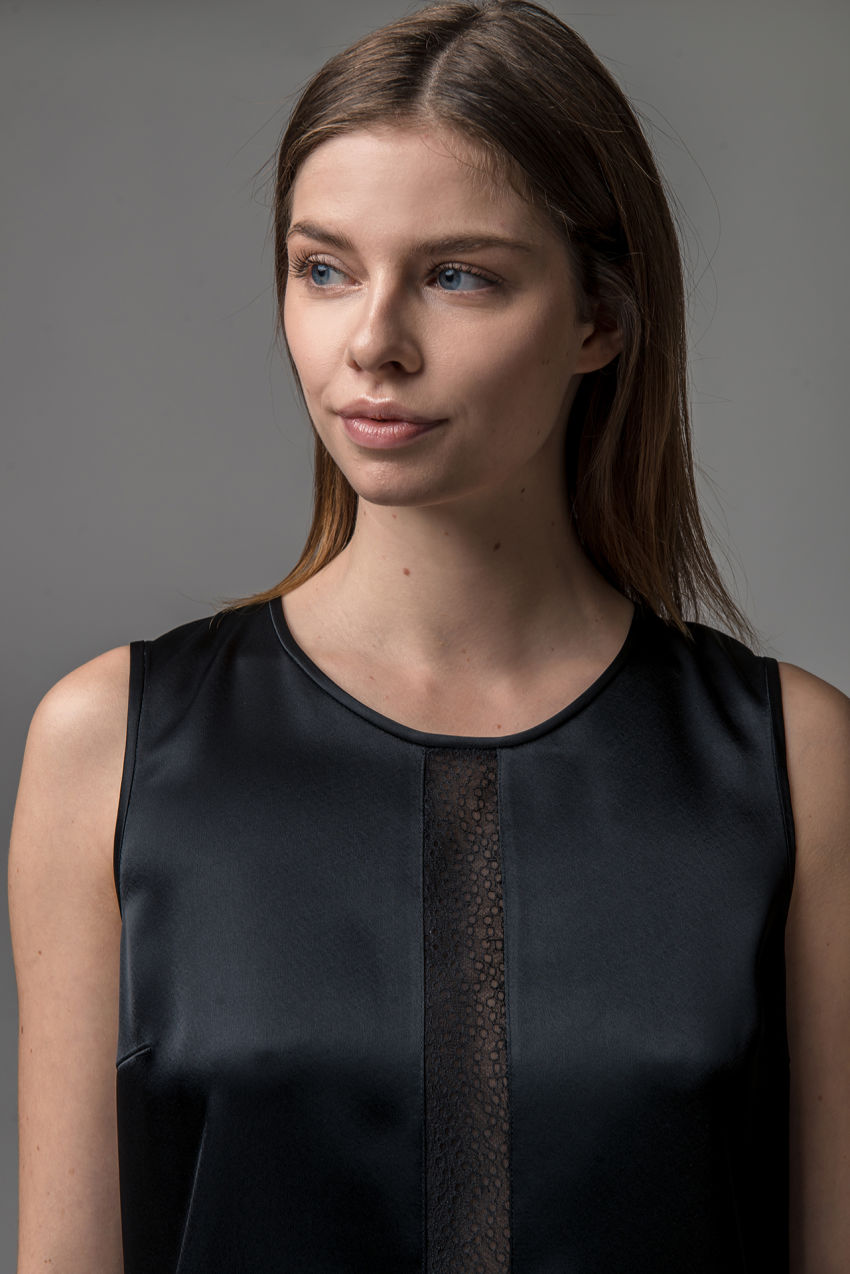 Satin blouse with lace
