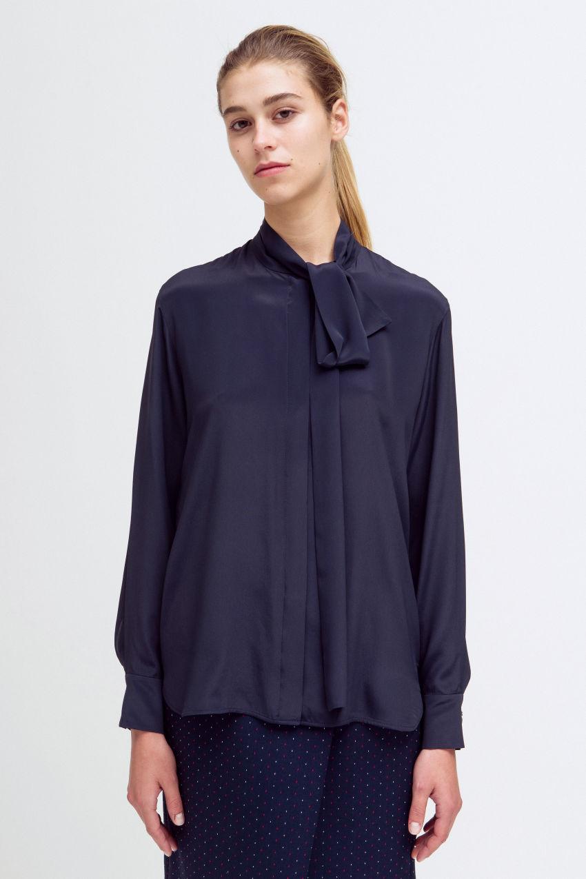 Bluse mit Schalkragen