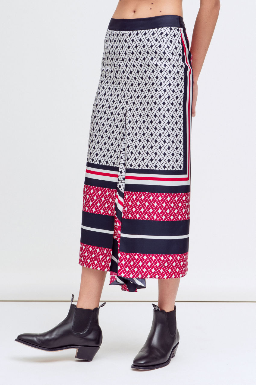 Skirt with Carré print