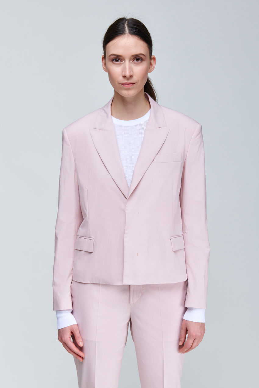 Short boxy blazer made of summery cotton