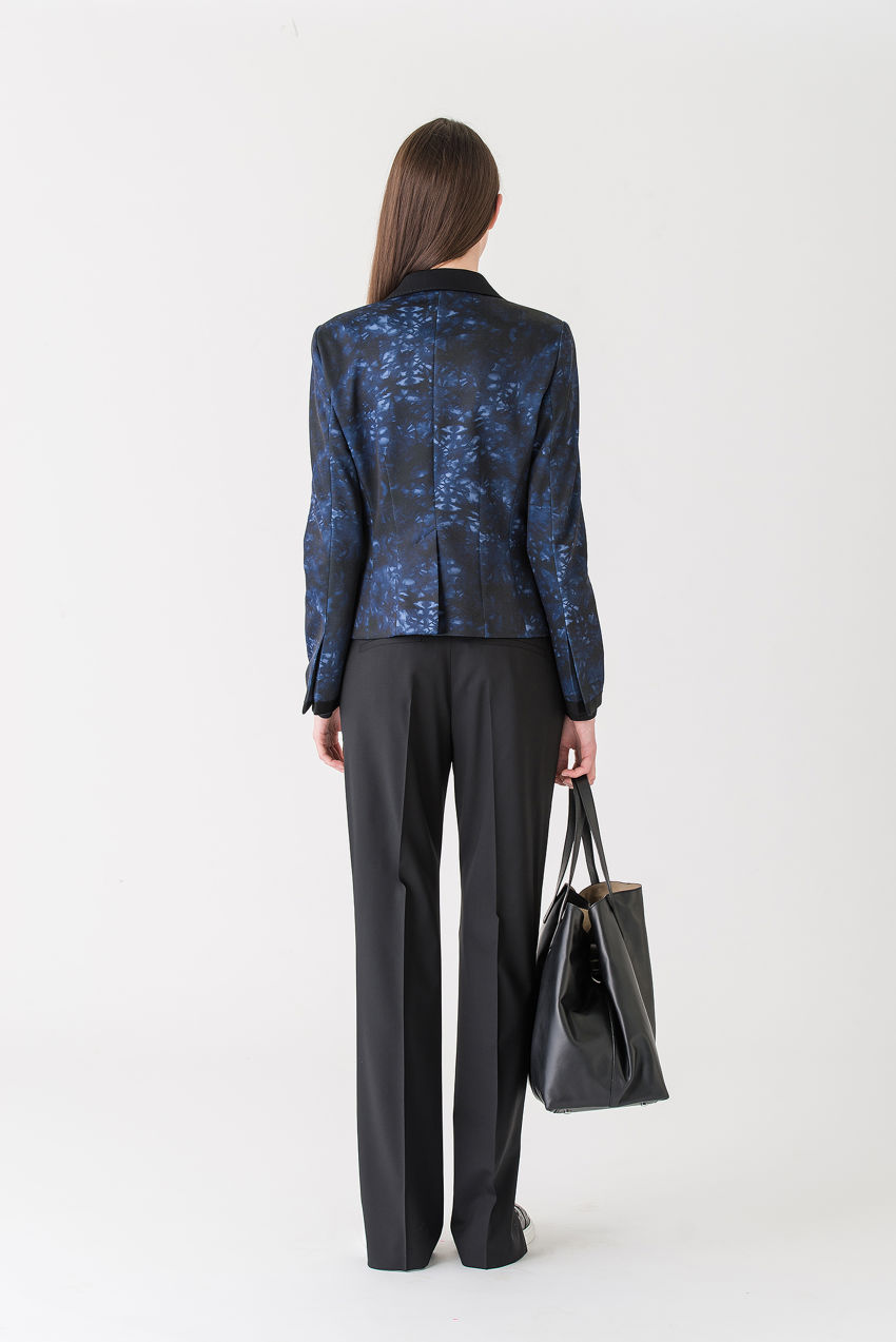 Blazer aus Punto Milano in blauem Batik-Print