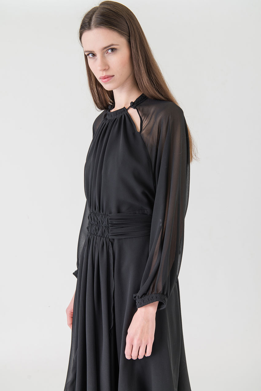 Evening Kleid aus Seide mit Satin Patch