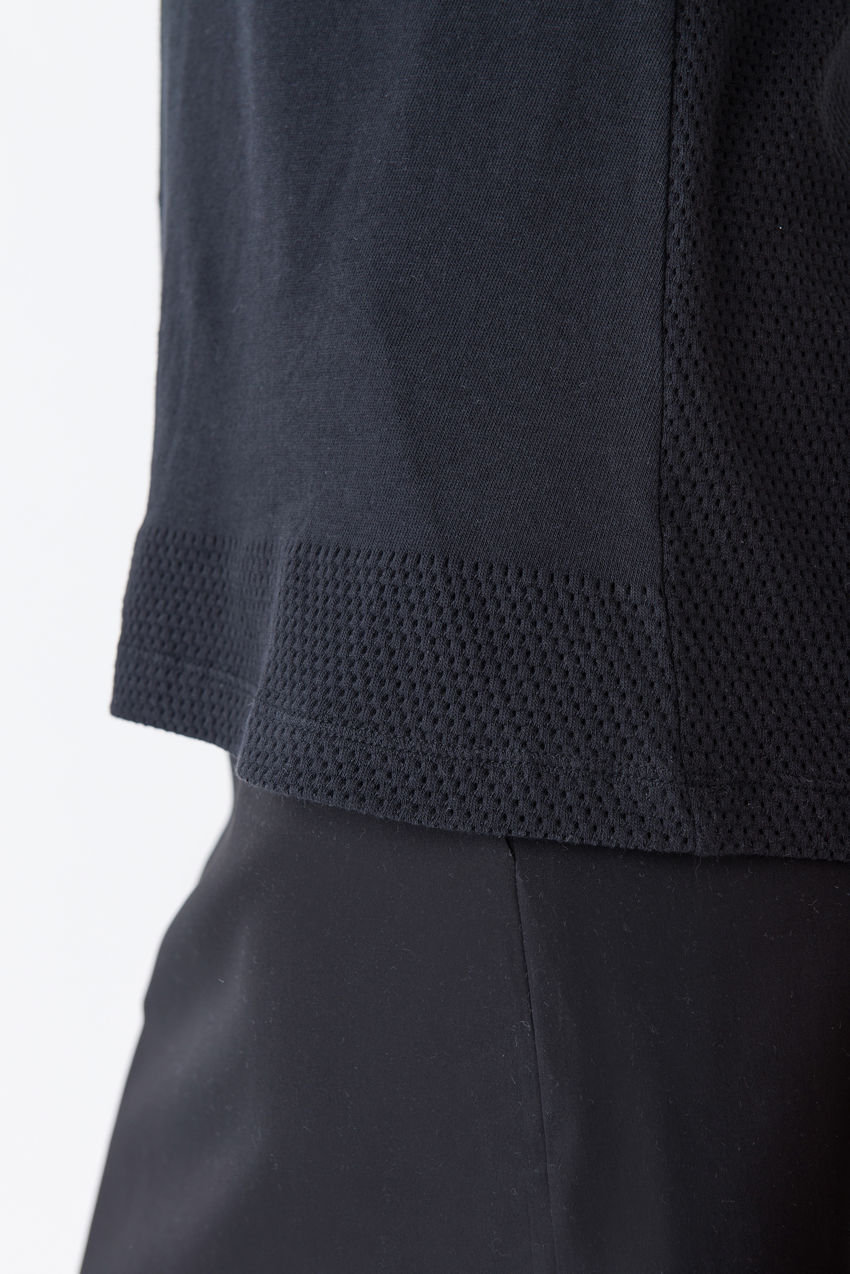 Exquisites T-Shirt mit Ajour-Effekt aus Baumwolle