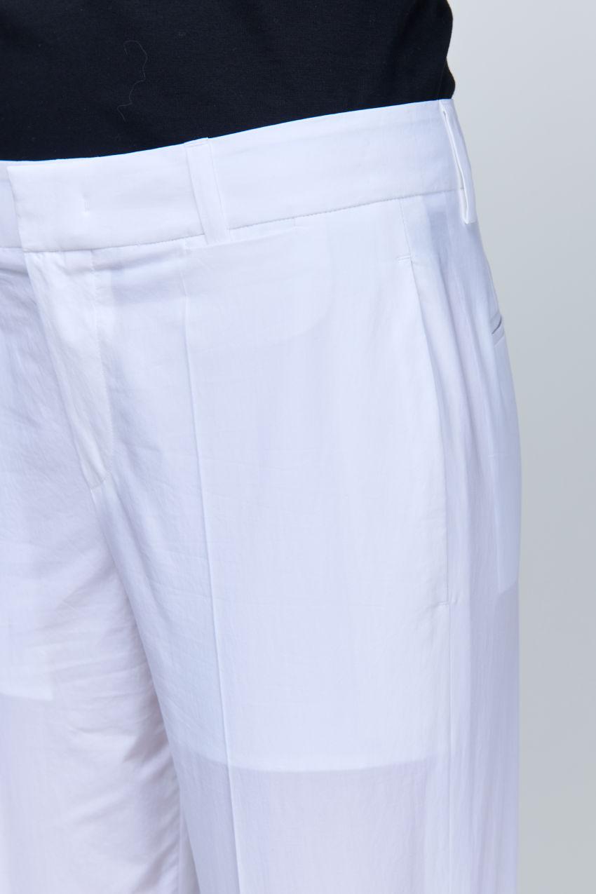 Schmale Hose aus sommerlicher Baumwolle