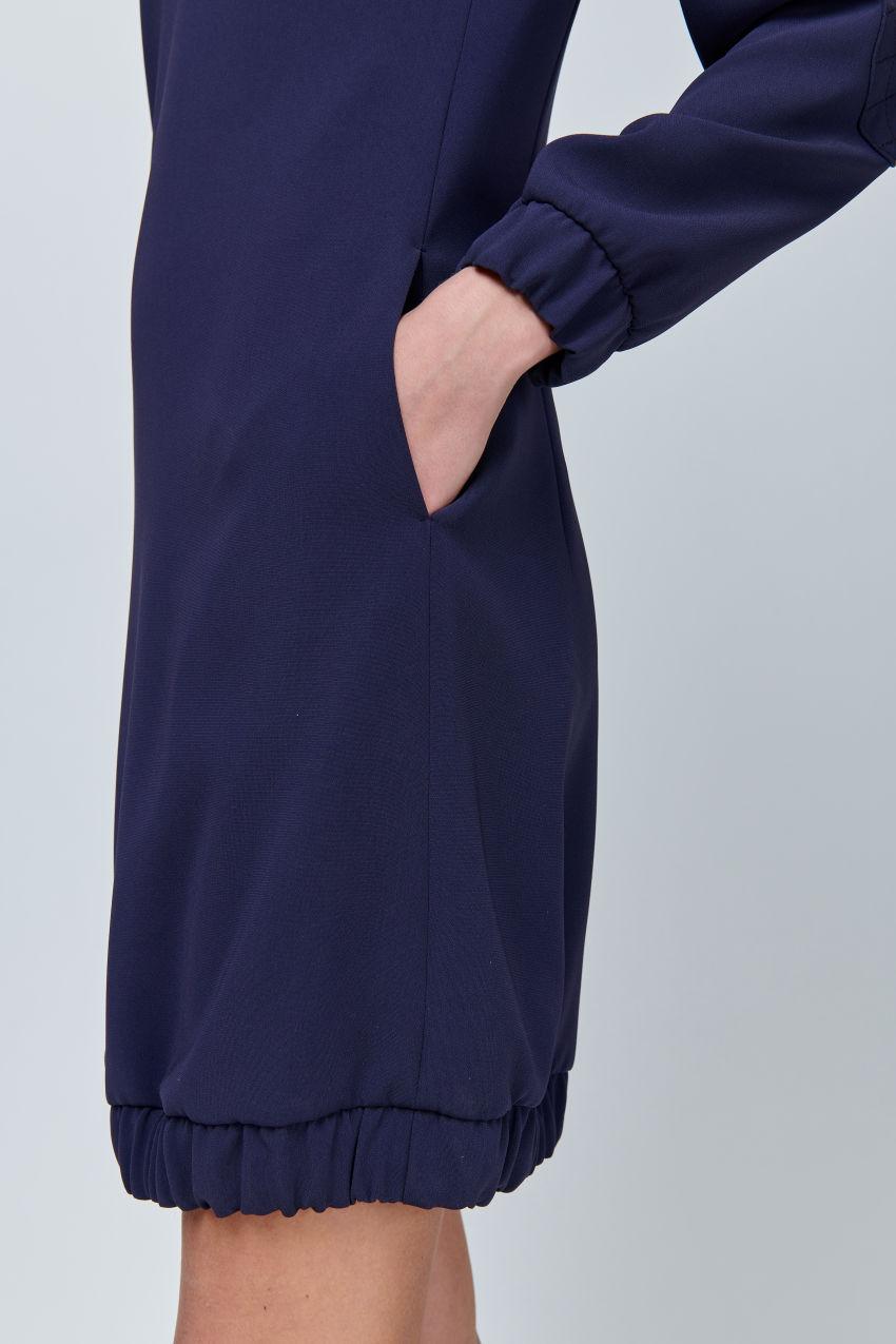 Kleid aus fließendem Crêpe