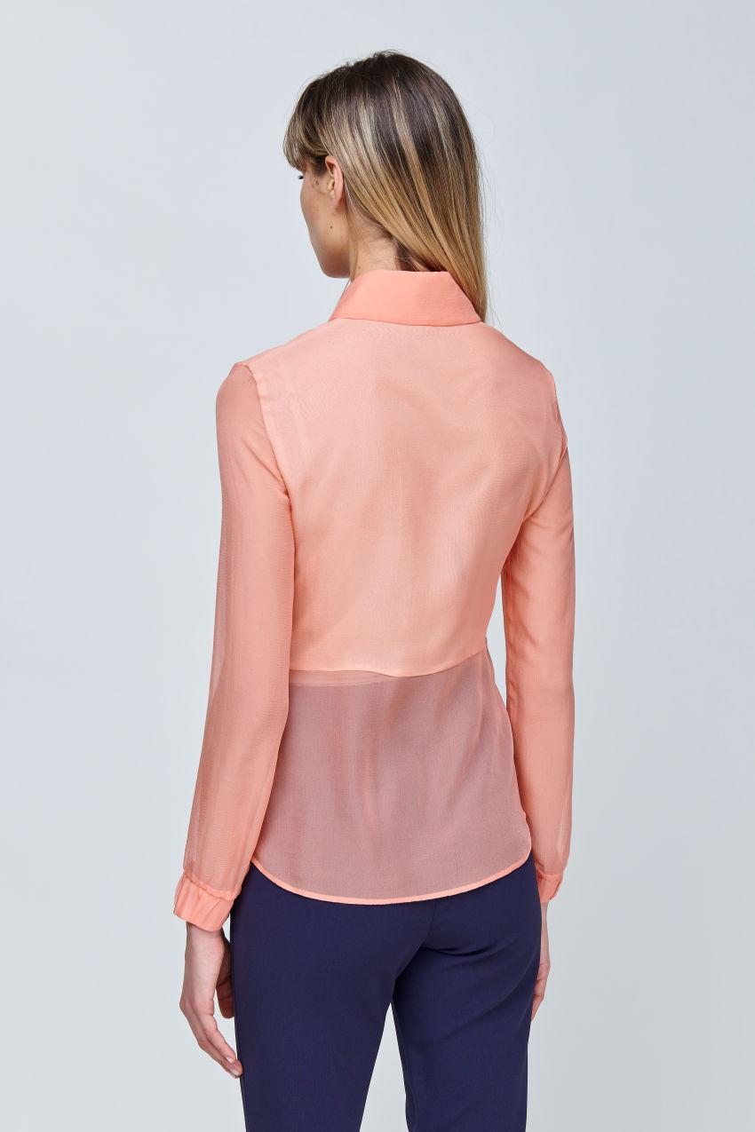 Modische Bluse aus Seiden Chiffon