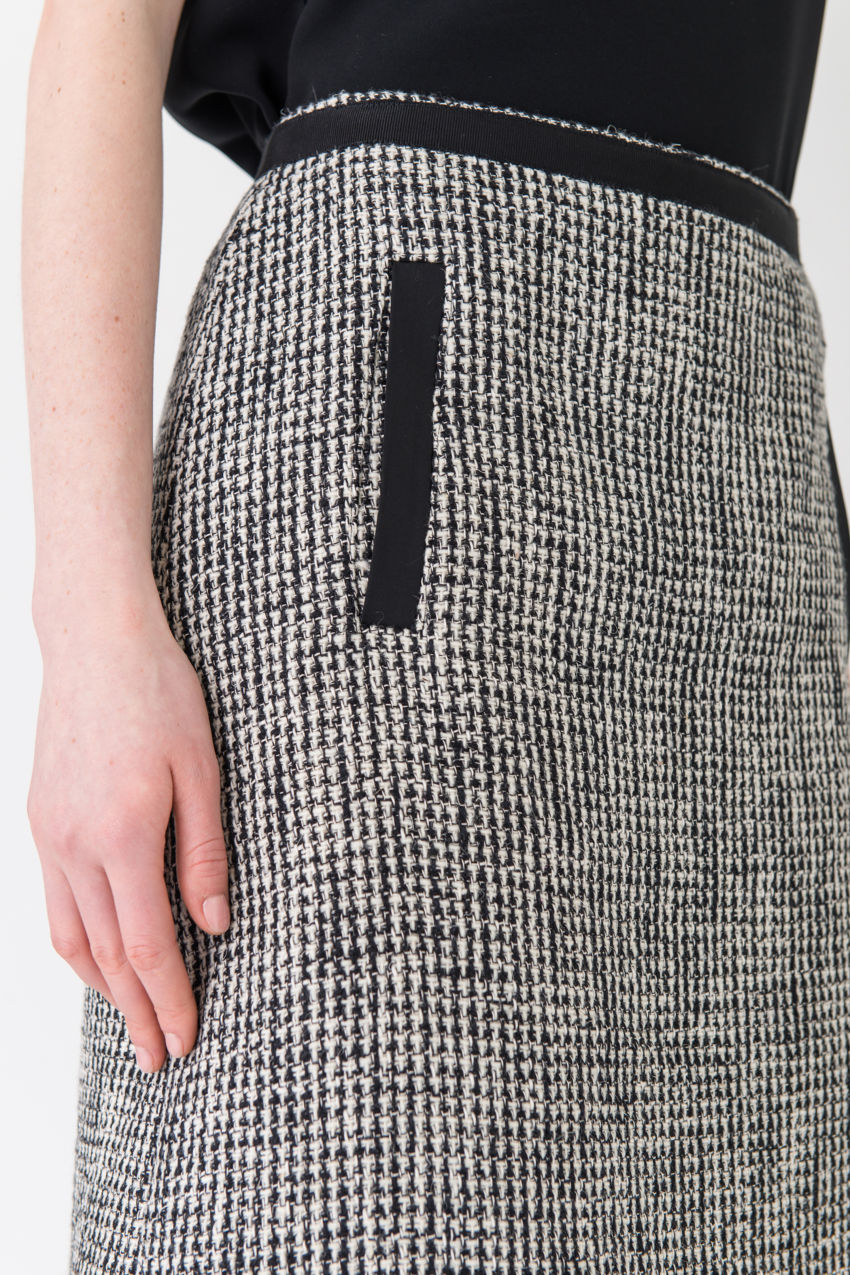 Geschmackvoller Tweed-Rock in komfortabler A-Linie