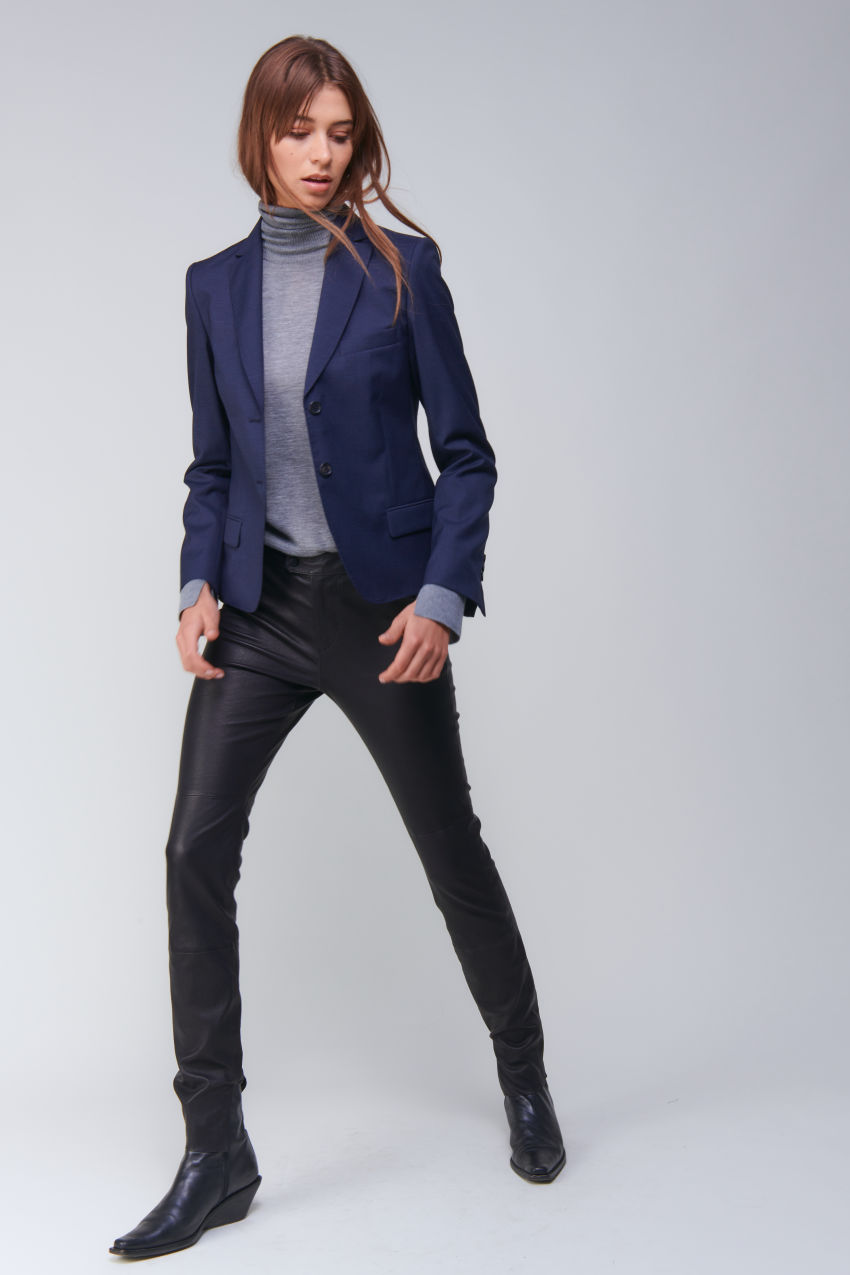 Short two-button blazer in Super 100 quality