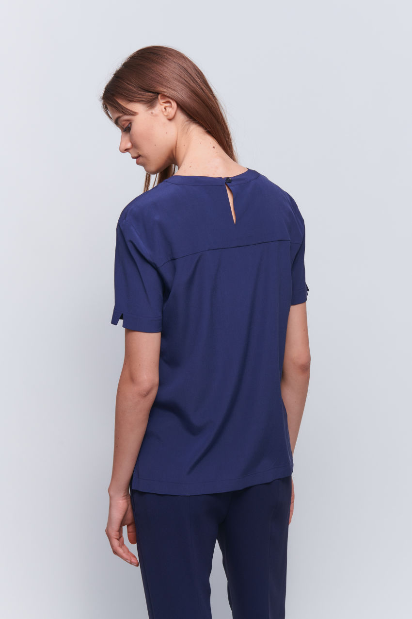 Modern T-shirt made of washed silk