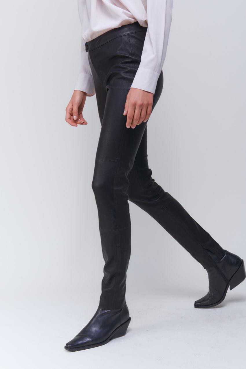 Angesagte Stretch Lederhose in softem Lamm Nappa
