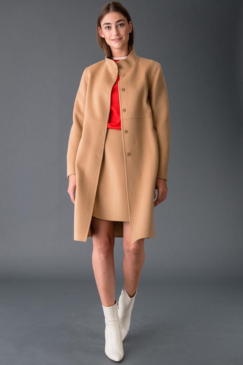 Femininer Mantel aus Wolle Doubleface