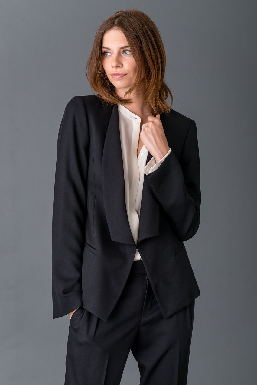 Jacke aus fließendem Light Wool Crêpe