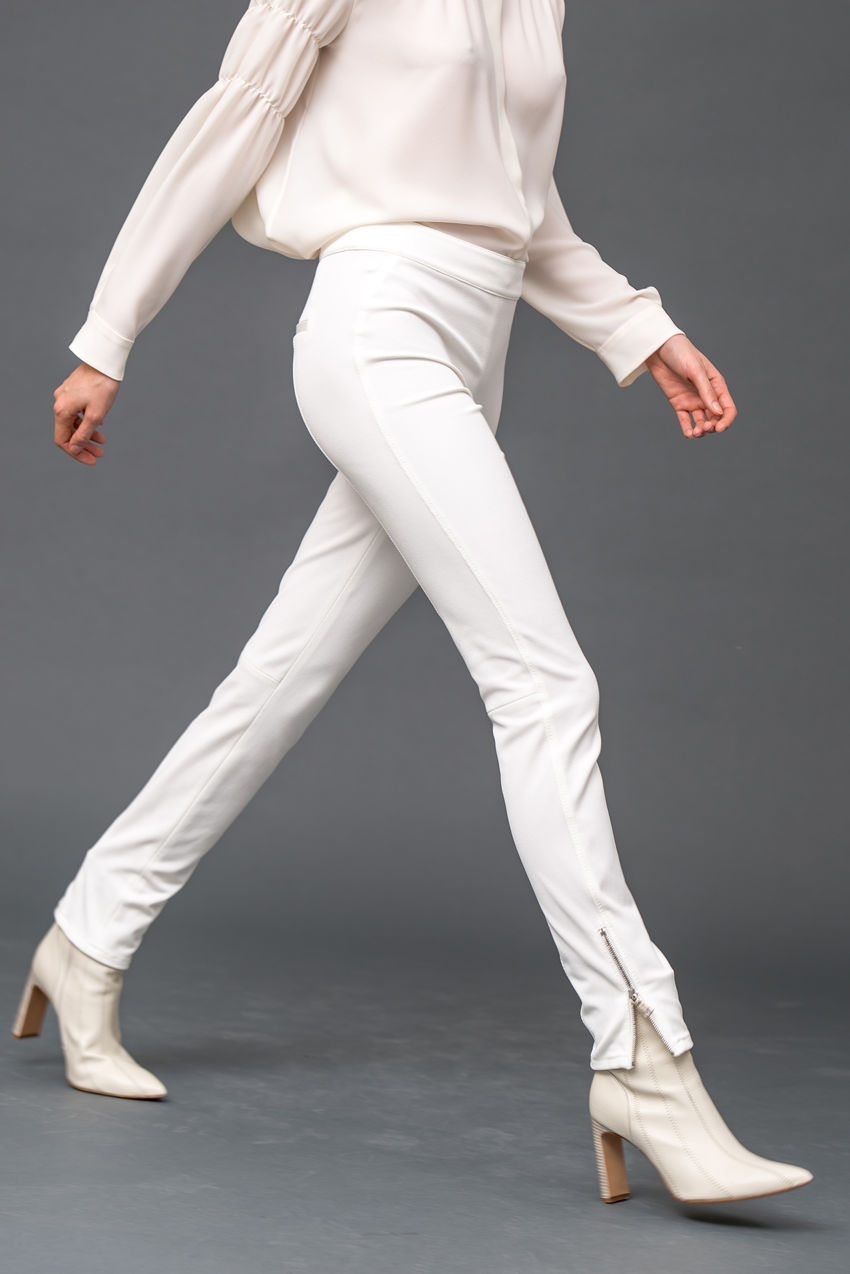 Hose aus komfortablen Stretch-Twill
