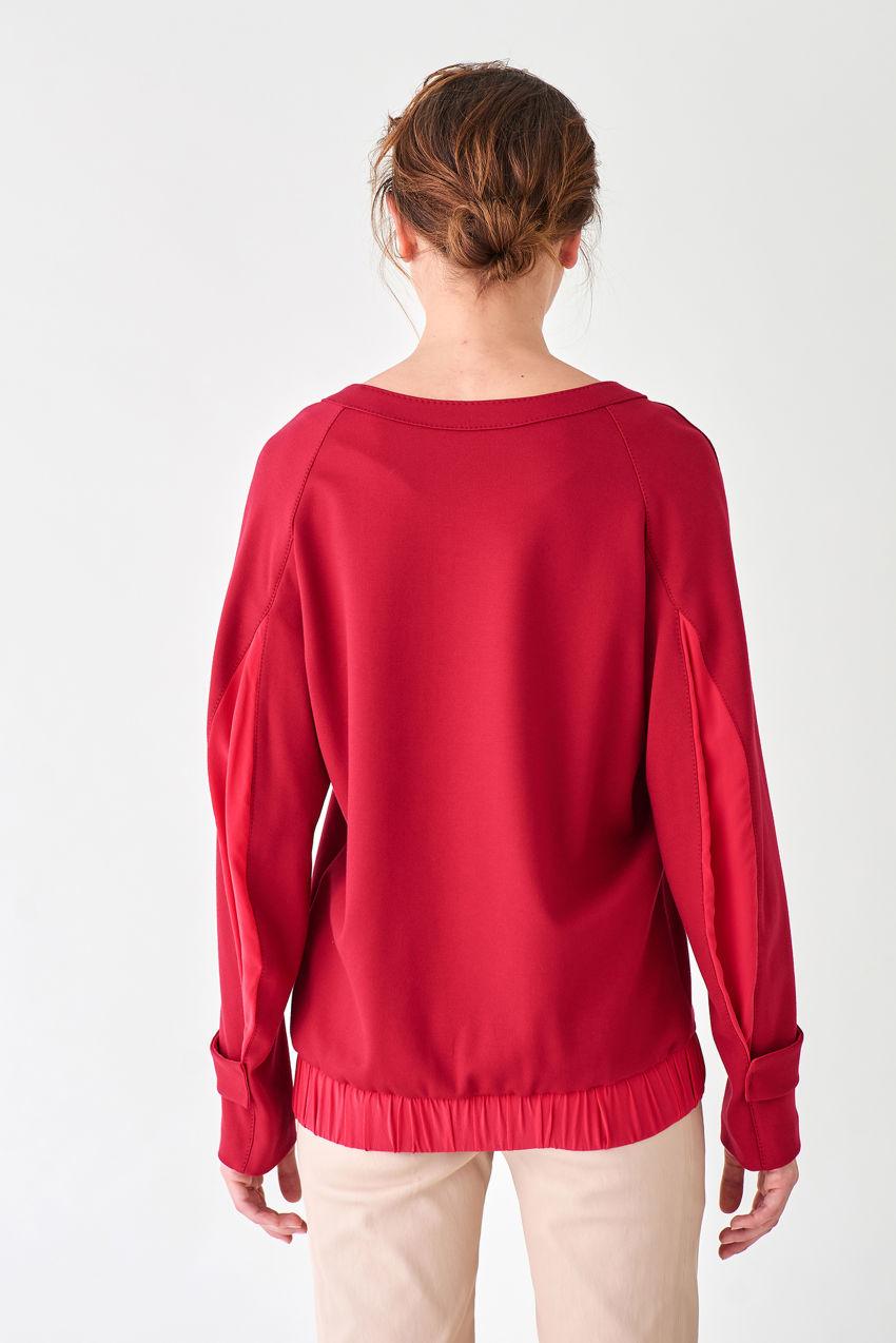 Trendiges Jersey-Shirt mit U-Bootausschnitt