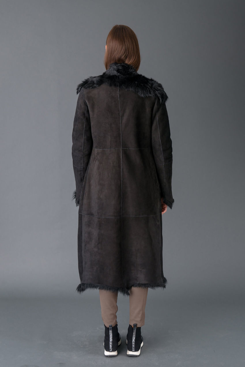 Langer Mantel aus feinstem Lamm-Leder