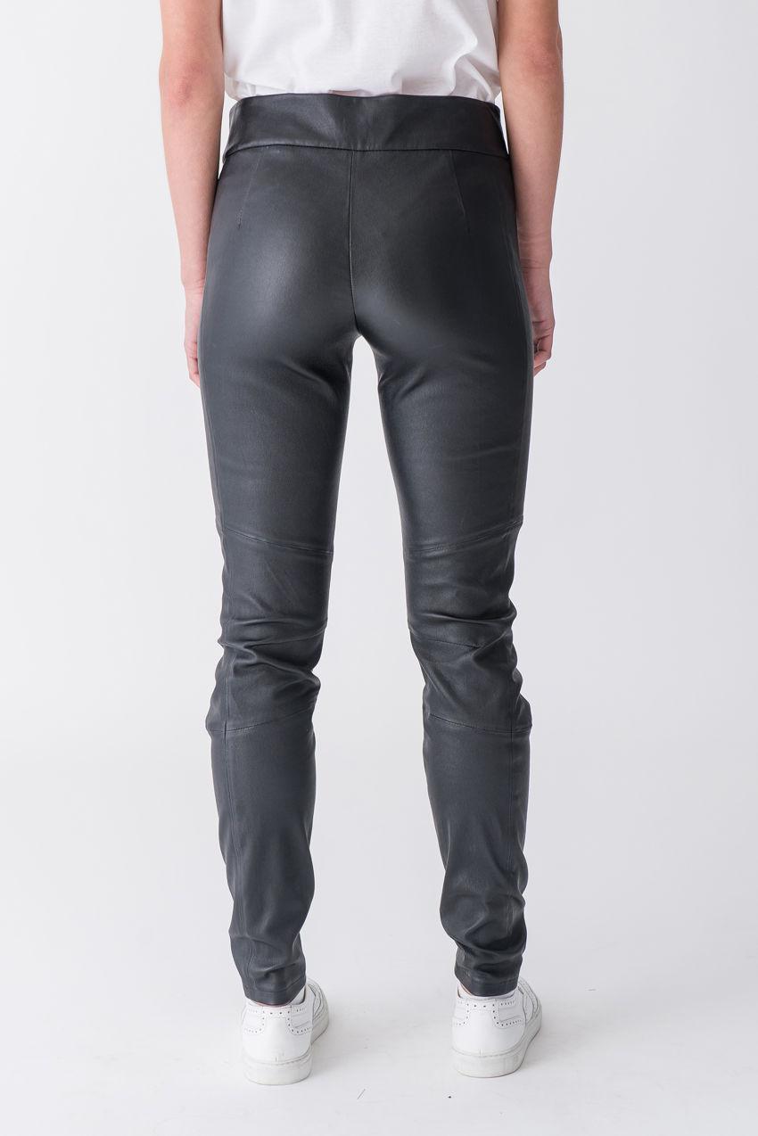 Klassische Hose aus Stretch Nappa Leder