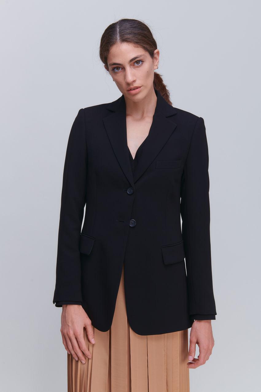 Elegant two-button blazer in Crêpe