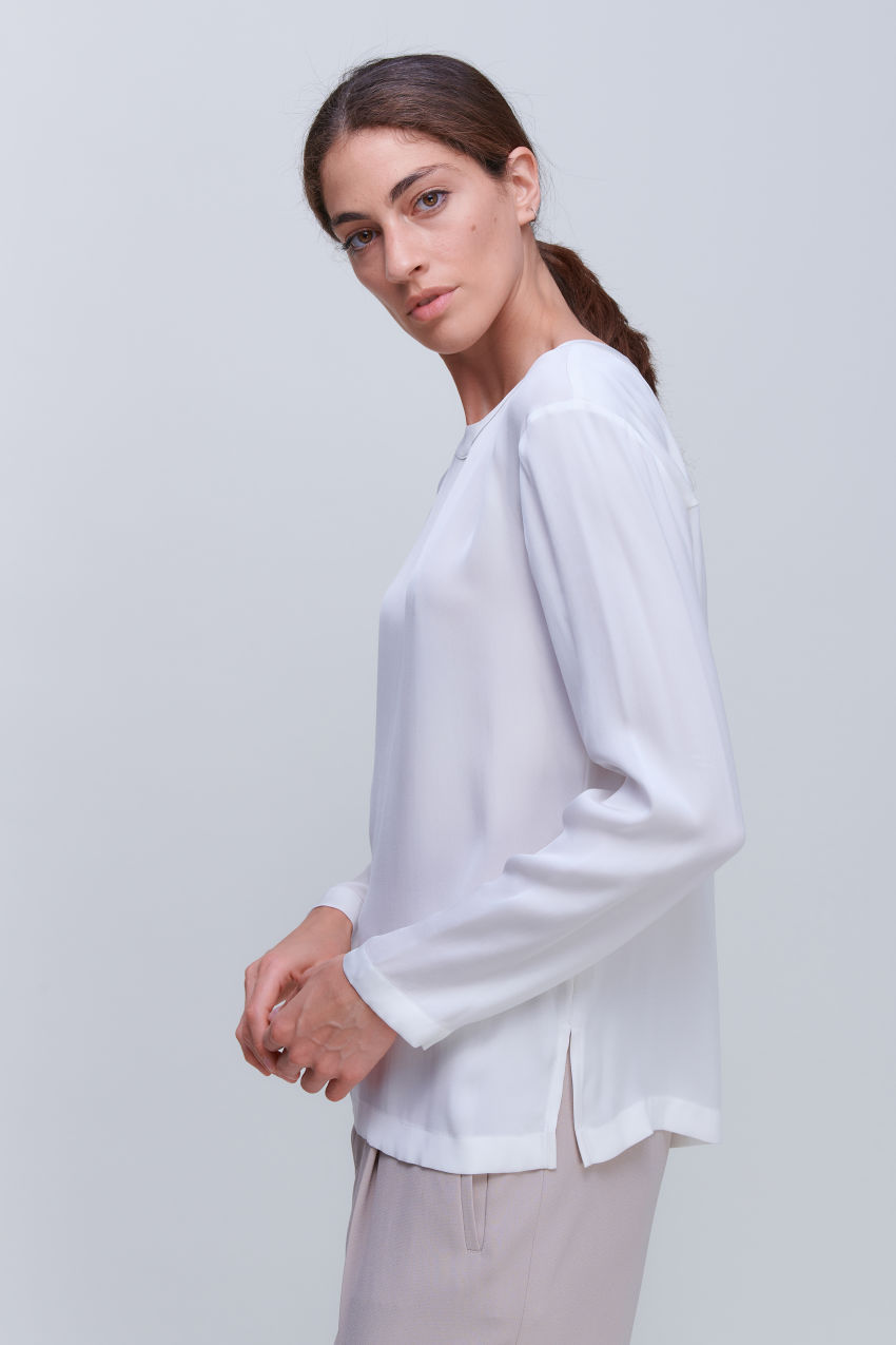 Blouse shirt in luxurious silk stretch
