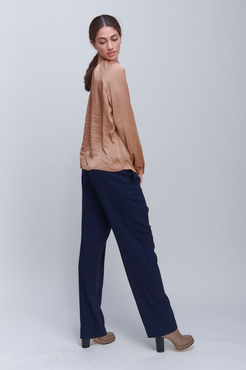 Shiny blouse shirt with pleated details