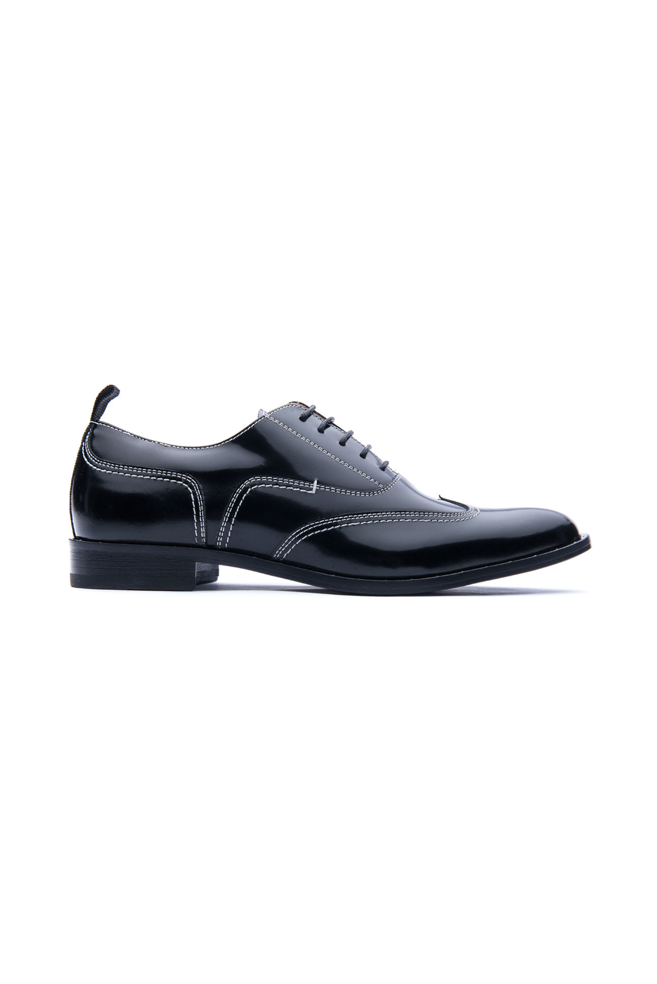 Brogues shoe in leather