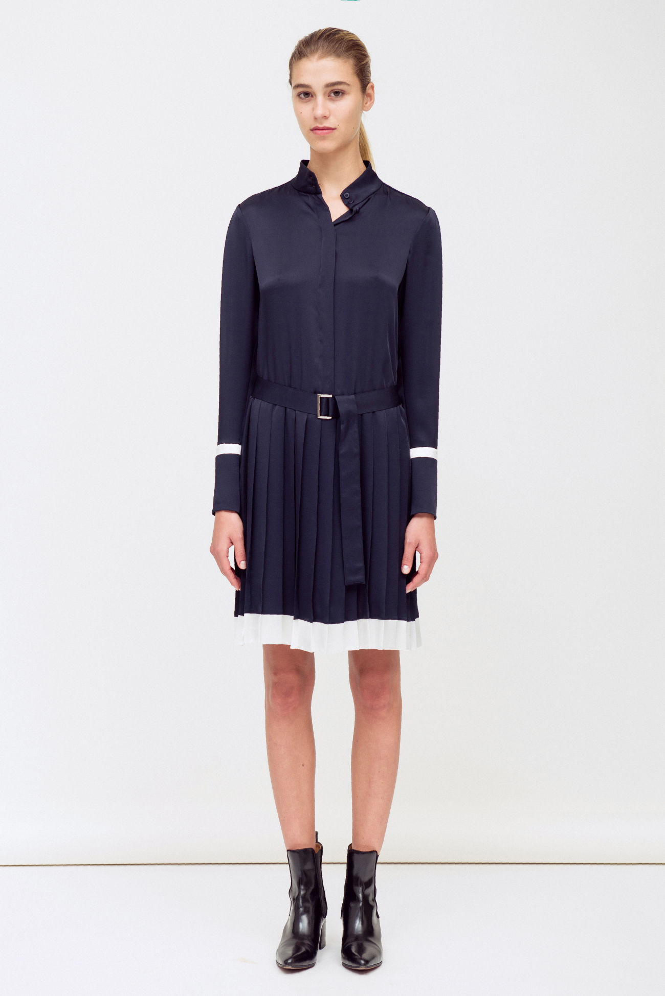 Shirt blouse dress with pleated skirt
