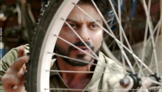 jehangir khan/jug featuring shah rukh khan always recycle, dear zindagi, 2016