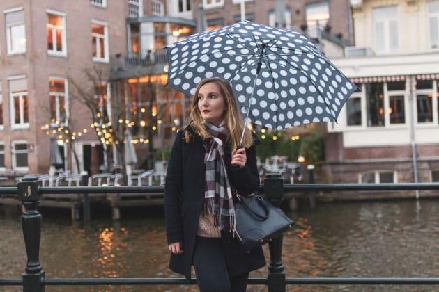 Visiter Amsterdam sous la pluie