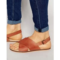 AsosSandals in Tan Leather With Cross Over Strap - Tan