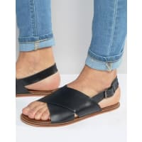 AsosSandals in Black Leather With Cross Over Strap - Black