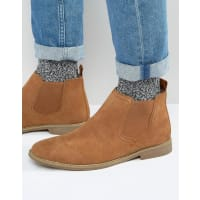 FrontChelsea Boots In Suede - Tan