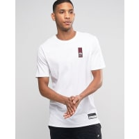 NikeAir T-Shirt With Dropped Hem In White 806960-100 - White